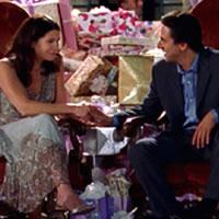 Lorelai y Max en su fiesta de compromiso